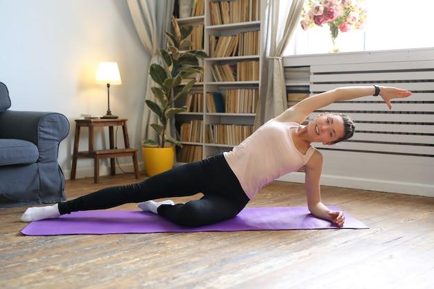 Yoga thuis Gratis Foto
