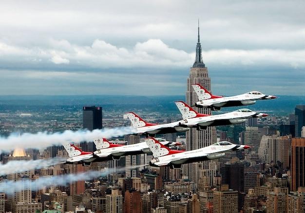 York vliegtuigen fomrationsflug straaljagers nieuwe Gratis Foto