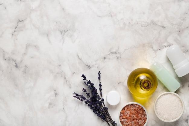 Zachte cosmetische producten voor lichaamsverzorging Gratis Foto
