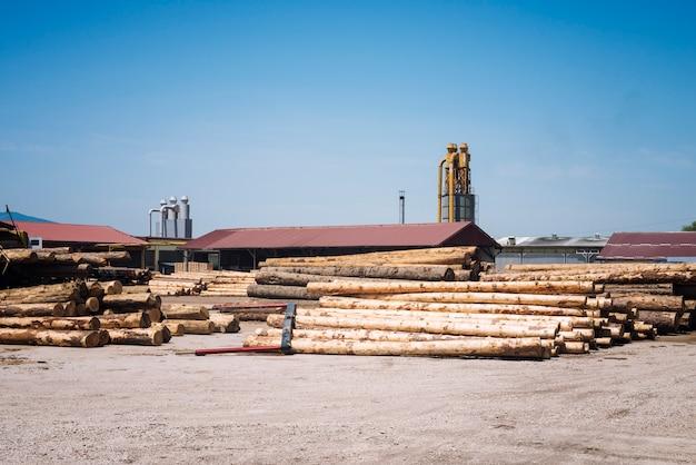 Zagerijfabriek voor de productie van houtplanken Gratis Foto