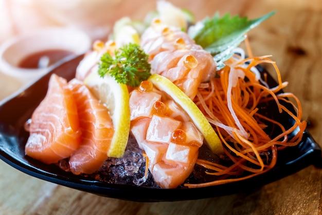 Zalm sashimi snij set. Premium Foto