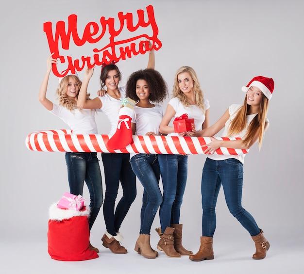 Ze wil kerst vieren met haar beste vrienden Gratis Foto