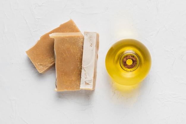 Zeep en olie essentie voor hygiëne Gratis Foto