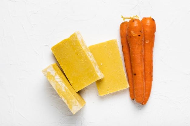 Zeepvoorraad gemaakt van wortelen in spa Gratis Foto