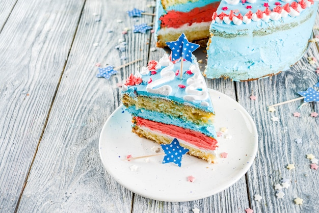 Zelfgemaakte amerikaanse independence day cake Premium Foto