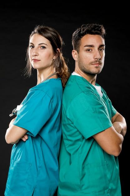Zijaanzicht van artsen die zich voordeed Gratis Foto