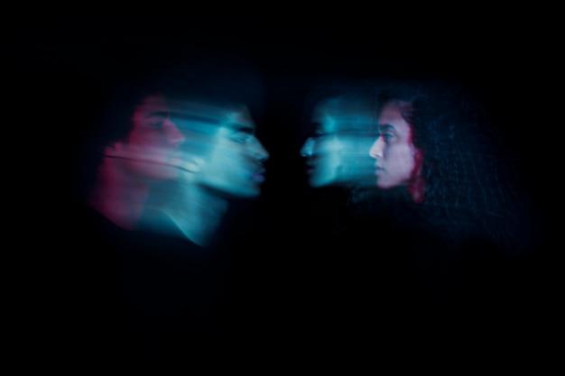 Zijdelings paar met dubbel blootstellingseffect Gratis Foto