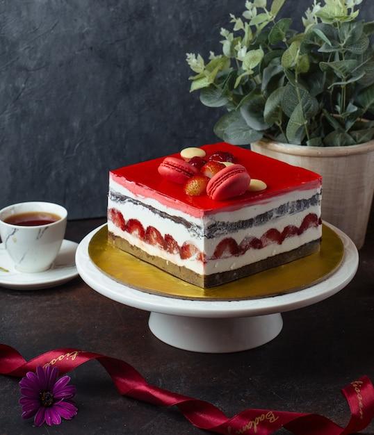 Zoete cake op de tafel Gratis Foto