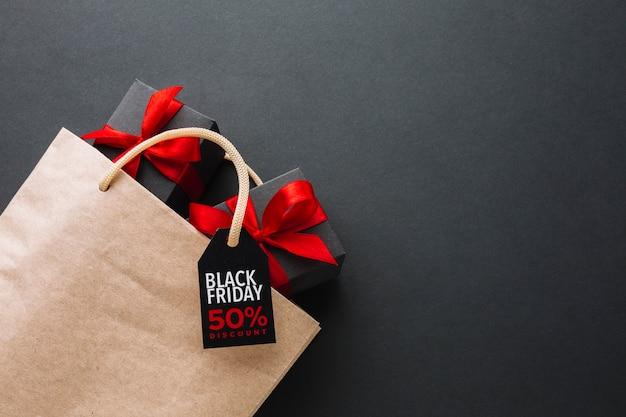 Zwarte vrijdagpromotie met dozen Gratis Foto