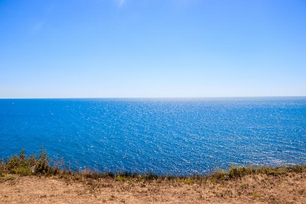 Zwarte zee in anapa Premium Foto