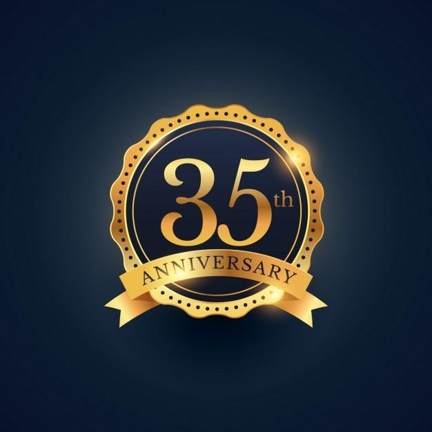 35e Verjaardag Badge Viering Etiket In Gouden Kleur Vector Gratis