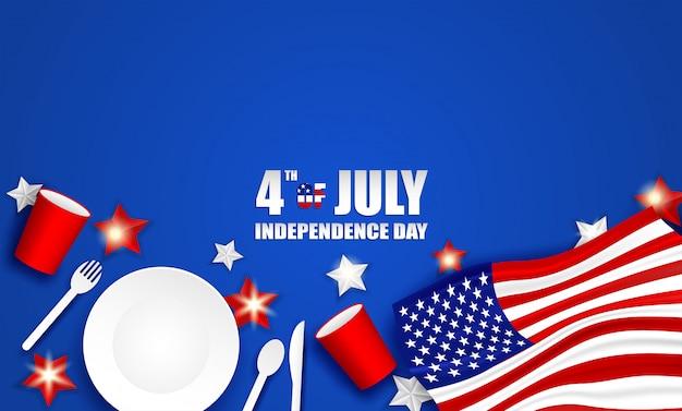4 juli happy independence day vs. ontwerp met lepel, schotel, vork, mes, servies van papierglas en amerikaanse vlagster Premium Vector