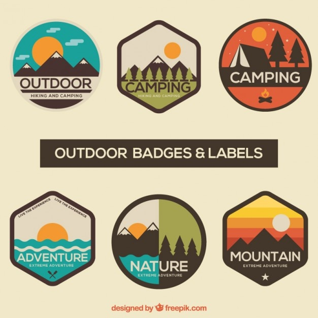 Adventure badges en labels in te pakken Gratis Vector