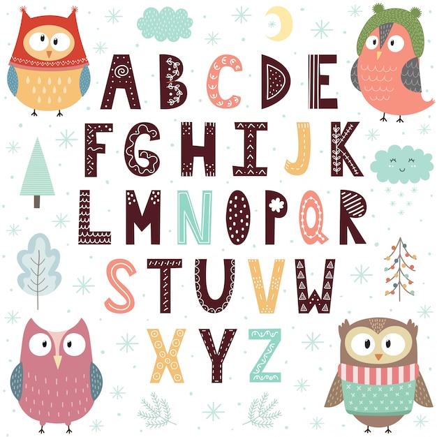 Alfabet met schattige uilen voor kinderen. Premium Vector