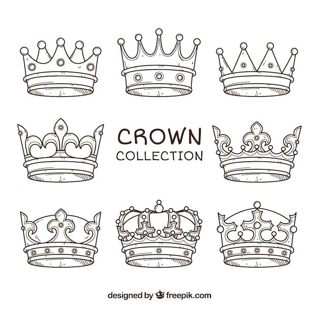 Assortiment van acht met de hand getekende kronen Gratis Vector