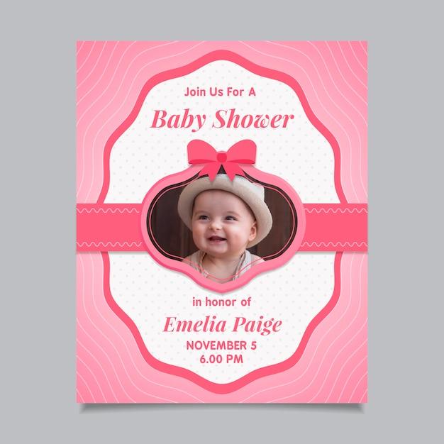 Baby douche uitnodiging sjabloon met foto (meisje) Gratis Vector