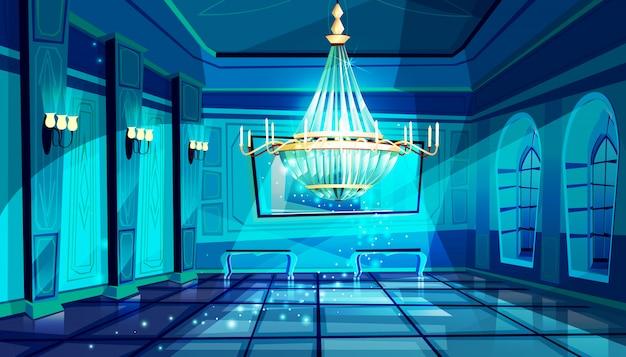 Ballroom in nachtillustratie van paleiszaal met kristalkroonluchter en middernacht magische maan Gratis Vector