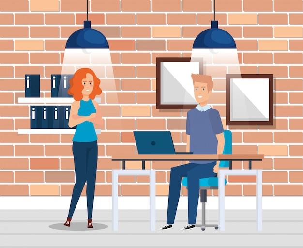 Bedrijfspaar op de werkplek Gratis Vector