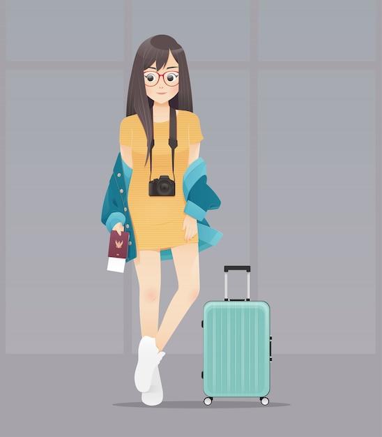 Beeldverhaalvrouw met paspoort en bagage, die paspoort en kaartjes, het ontwerp van het illustratiekarakter houden Premium Vector