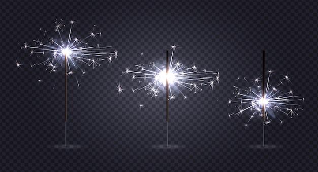Bengaals licht pyrotechniek realistisch ingesteld op transparant met drie stokjes in verschillende stadia van branden Gratis Vector