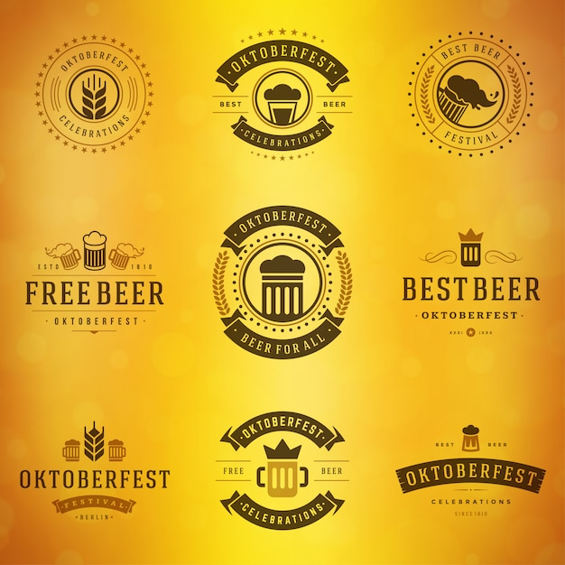 Bierfestival oktoberfest etiketten, insignes en logo's ingesteld Premium Vector
