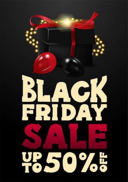 Black friday-uitverkoop, tot 50% korting, zwarte verticale kortingsbanner in cartoonstijl met groot aanbod en zwarte cadeautjes versierd met slinger en ballonnen Premium Vector