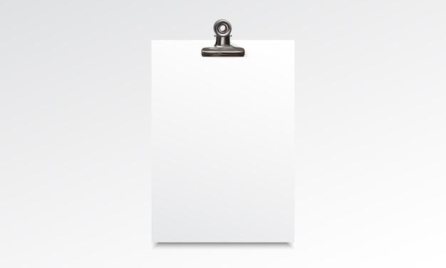 Blanco papier realistische mockup met binder clip Premium Vector