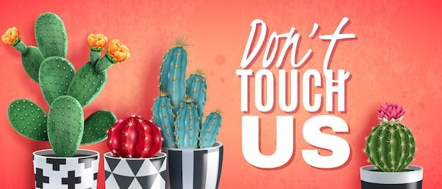 Bloeiende cactussen in sierzwarte witte potten tegen trendy koraal realistische horizontale poster Gratis Vector
