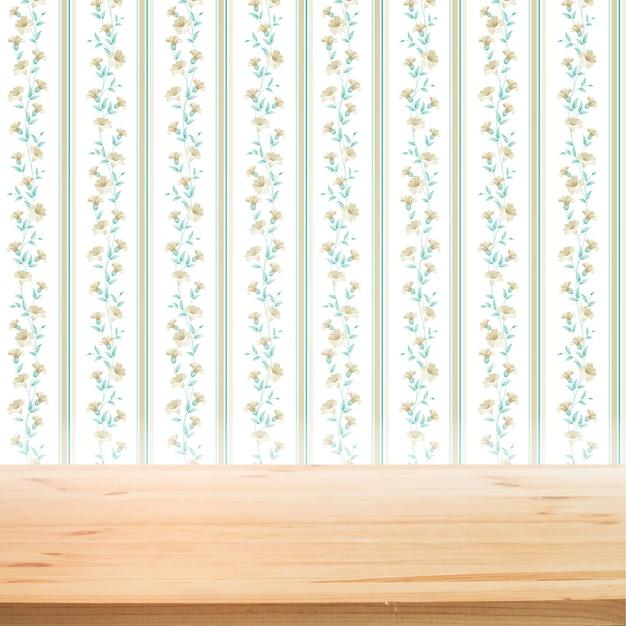 Bloemen behang met houten tafel voor productpresentatie achtergrond Gratis Vector