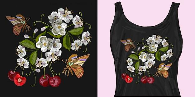 Borduurwerk kersenbloesem boom en en vlinder Premium Vector