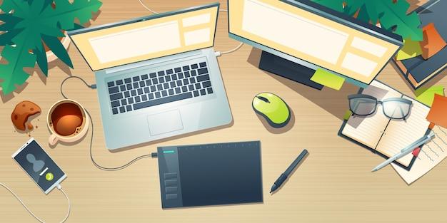 Bovenaanzicht van designer werkruimte met grafisch tablet, laptop, monitor, koffiekopje en planten op houten tafel. cartoon plat leggen van creatieve kunstenaar werkplek met mobiele telefoon en notebook Gratis Vector