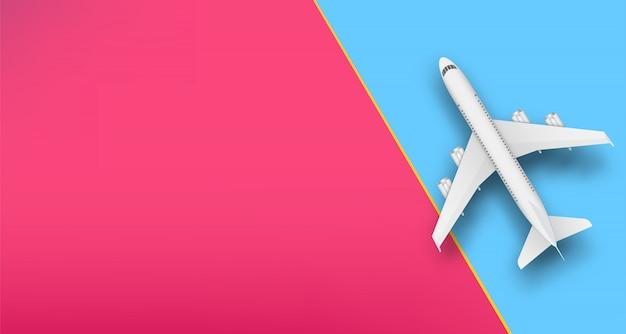 Bovenaanzicht vliegtuig, reizen vakantie vliegtuig. Premium Vector