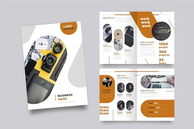 Brochure sjabloon lay-out Gratis Vector