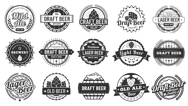 Brouwerij bierbadges. ambachtelijke bieren emblemen, hop pils en pub hop badge geïsoleerde vector illustratie set Premium Vector