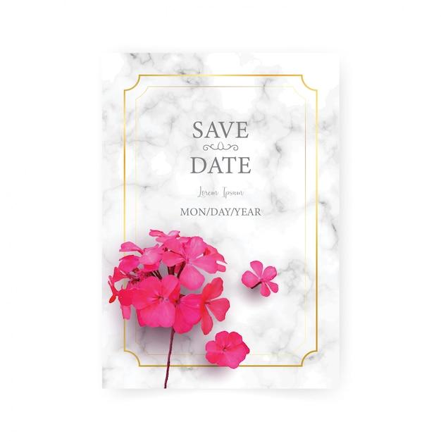 Bruiloft uitnodiging kaartsjabloon met realistische van mooie roze bloem op wit marmer Premium Vector