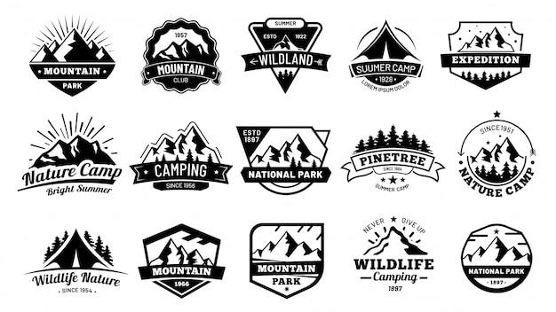 Buiten natuurbadges. avontuur embleem, vintage wildernis label en buiten kamperen badge illustratie set Premium Vector