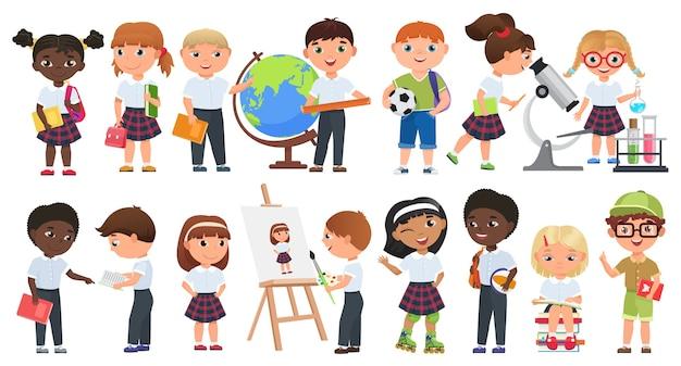 Cartoon schattige kinderen set. school jongens en meisjes kinderen met boeken en schoolbenodigdheden collectie. Premium Vector