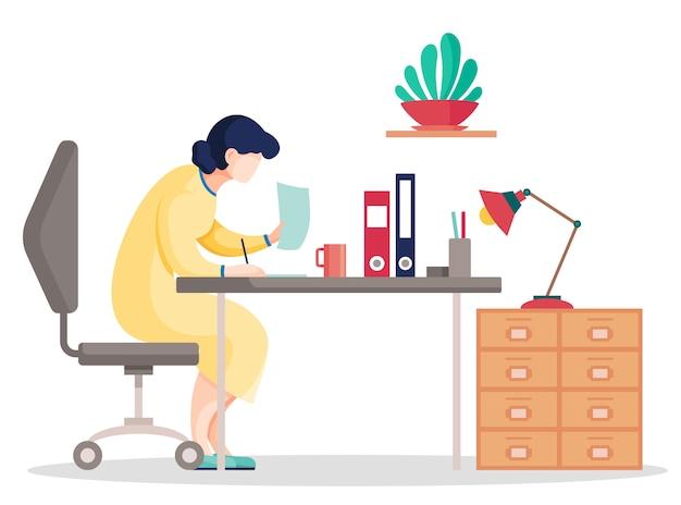Cartoon vrouw zoekgegevens in de documenten zittend aan tafel op kantoor Premium Vector