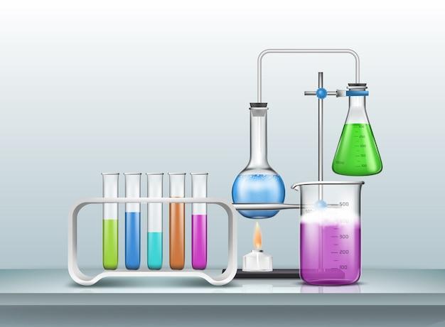 Chemisch, biologie-onderzoeksexperiment of test met laboratoriumschaalglaswerk gevuld met kleurreagentia Gratis Vector