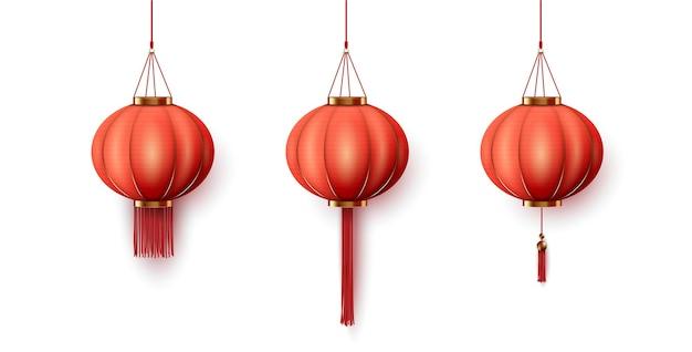 Chinese hangende rode papieren lantaarn op witte achtergrond. Premium Vector