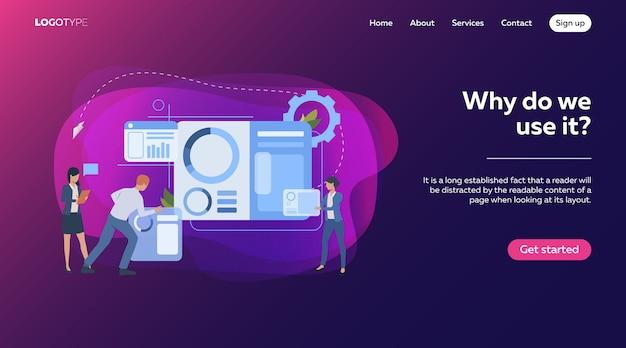 Commercieel team dat infographics bouwt Gratis Vector