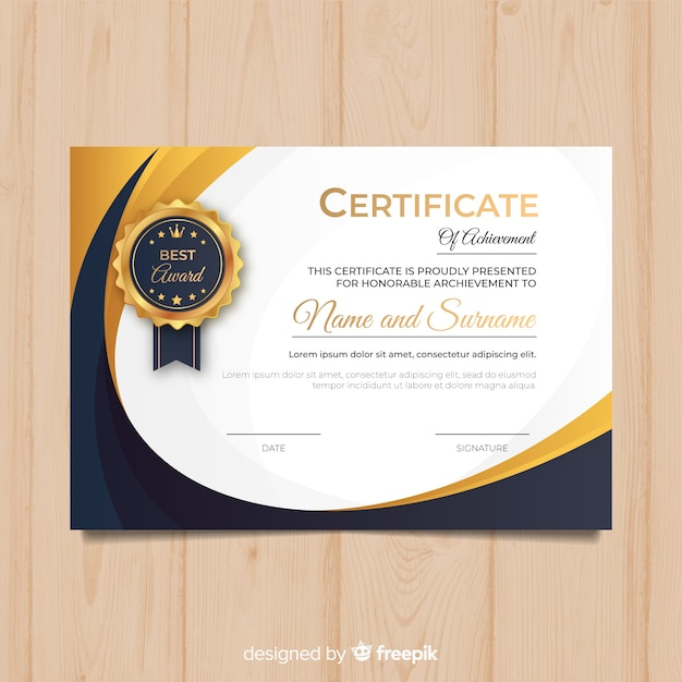 Creatief diplomamalplaatje met gouden elementen Gratis Vector