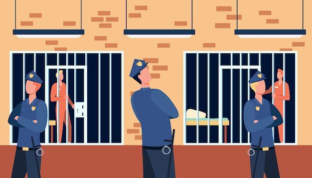 Criminelen en bewakers in staatsgevangenis. politieagenten kijken naar gevangenen in cellen van het politiebureau. Gratis Vector