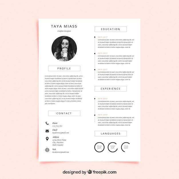 Curriculum-sjabloon met minimalistische stijl Gratis Vector