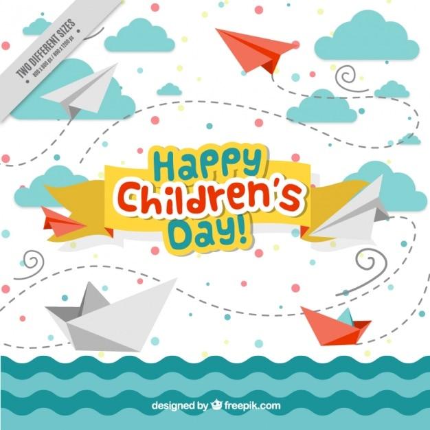 Dag leuke achtergrond van de zee van kinderen met boten en vliegtuigen origami Gratis Vector