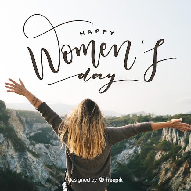 Dag van de vrouw belettering Gratis Vector