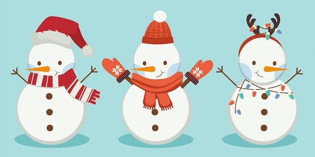 De collectie sneeuwman draagt een muts en een sjaal en een hoorn op de blauwe achtergrond Premium Vector