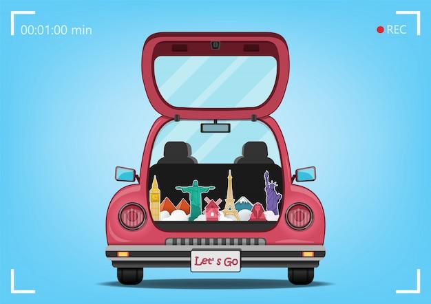 De gelukkige reiziger op rode boomstamauto met controle in punt reist rond het wereldconcept op blauwe hartachtergrond Premium Vector
