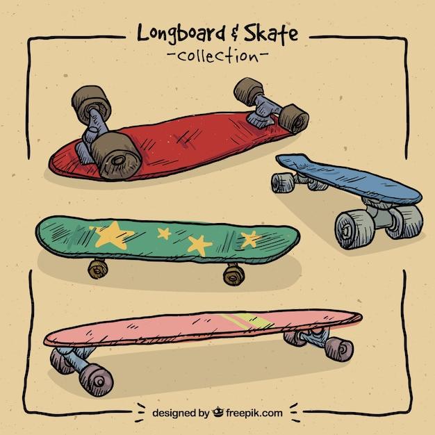 De hand getekend gekleurde skateboards Premium Vector