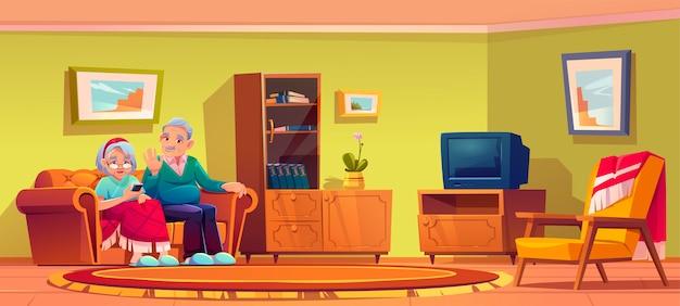 De hogere man en de vrouw die door mobiele telefoon spreken zitten op laag in het binnenland van de verpleeghuisruimte. de oude dame die in plaid en grijze haired gepensioneerde wordt verpakt, ontspant op smartphone van het bankgebruik, beeldverhaalillustratie Gratis Vector